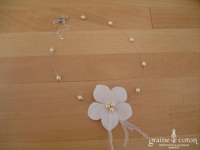 Au fil perlé - Tour du cou 1 rang avec fleur et perles ivoires