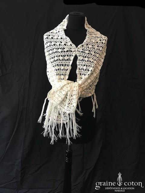 Étole en crochet blanc avec franges - fait main