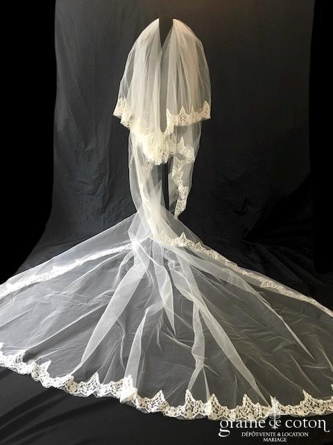 Courman - Voile long de 4 mètres en tulle ivoire bordé de dentelle de Calais