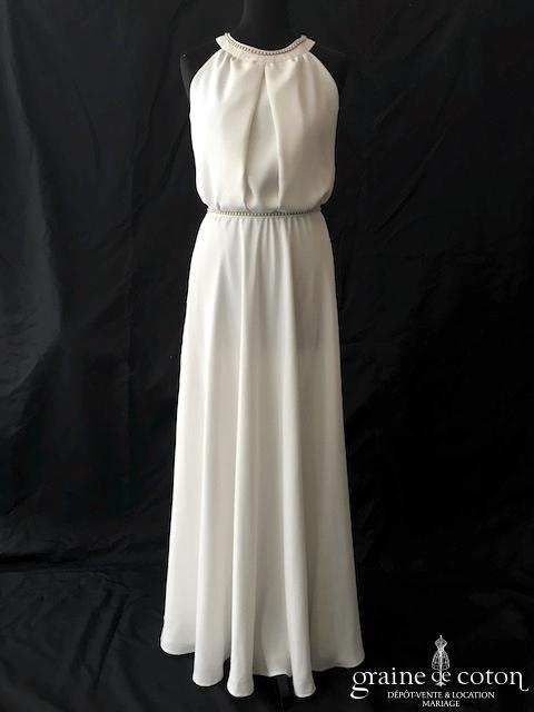 Création - Robe en crêpe ivoire blanc (encolure américaine bretelle fluide)