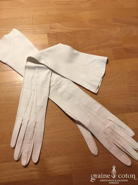 Gants longs en cuir ivoire clair vintage