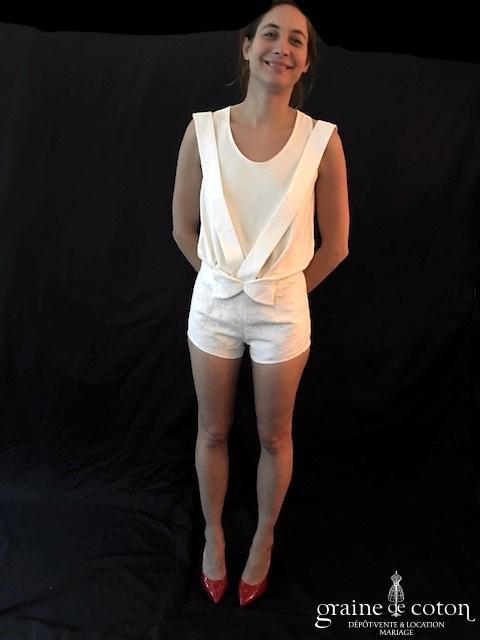 Delphine Manivet - Short court ivoire clair à bretelles (coton broché)