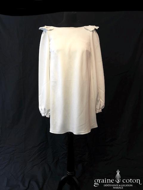 Delphine Manivet - Robe courte en crêpe de soie blanc (manches dos-nu)