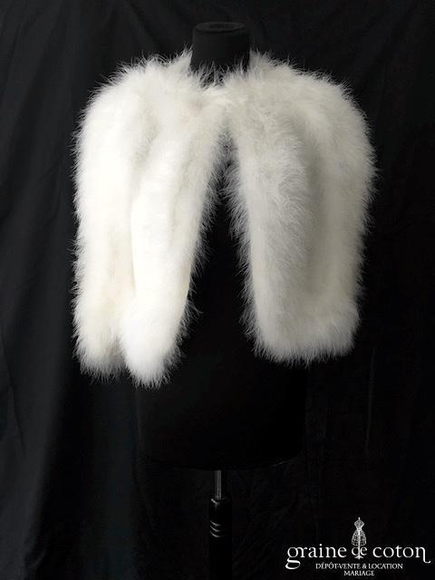 Étole / cape en duvet ivoire clair