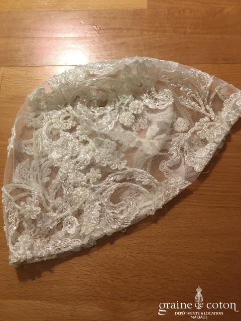 Bonnet /calotte de mariée en tulle et broderies ivoire
