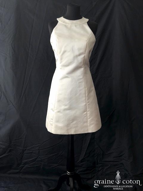 Robe courte en soie ivoire dos nu (encolure américaine bretelles)