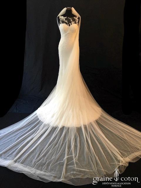 Pronovias - Voile long de 3 mètres en tulle fluide ivoire clair