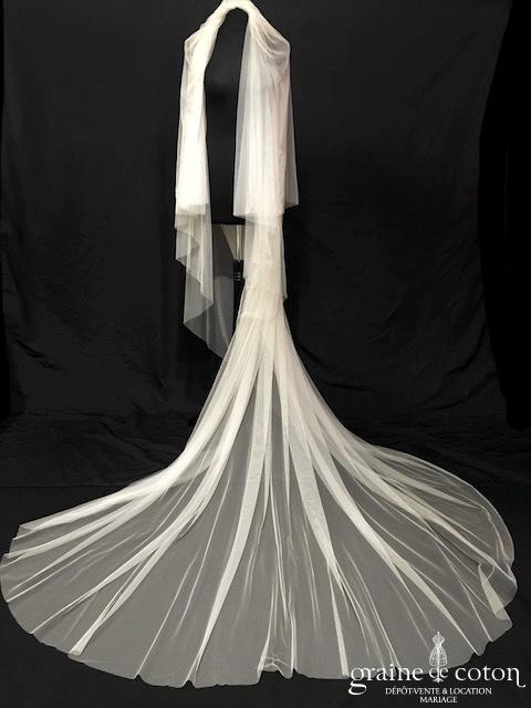 Atelier Pronovias - Voile long de 3 mètres en tulle souple ivoire clair bords bruts