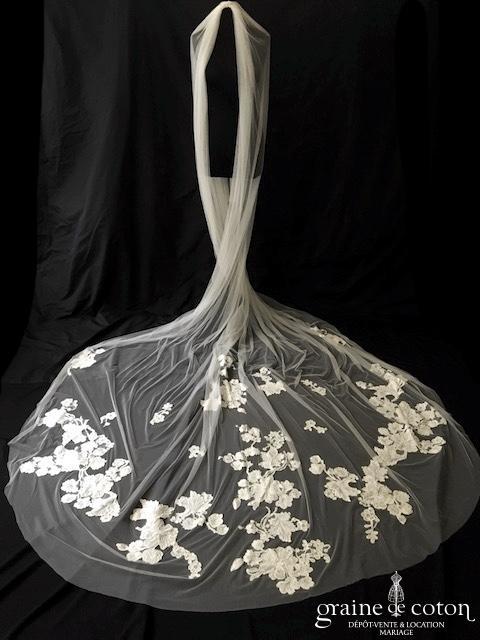 Pronovias - Voile long de 3 mètres en tulle souple ivoire clair orné de guipure de dentelle perlée