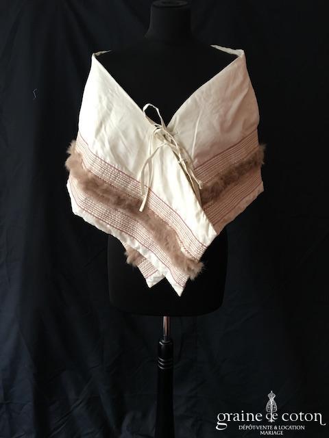 Cerruti Jeans - Étole / cape en duvet et vison ivoire brodé