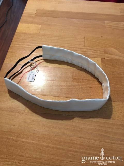 White One - Bandeau en satin ivoire