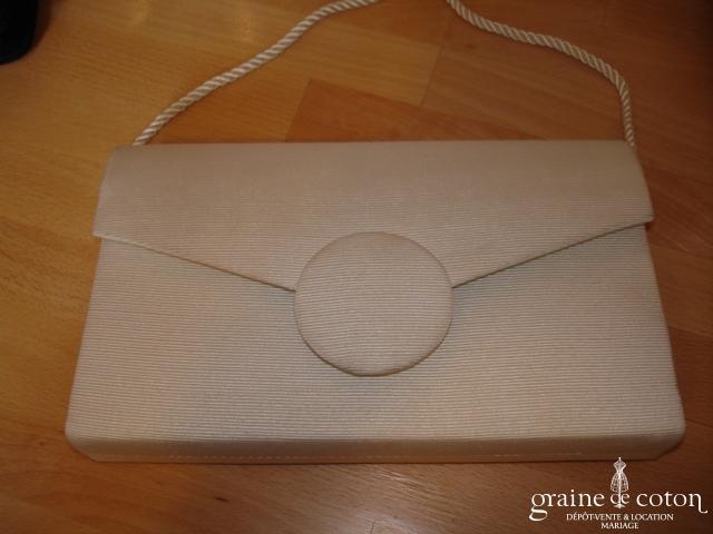 Pochette ivoire