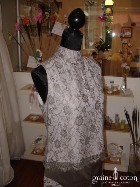 Carmélina créations - Ensemble gris et rose dentelle et soie (non stocké en boutique, essayage sur demande)