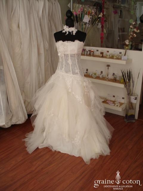 Frédéric Alzra - Robe de mariée en mouchoirs de tulle