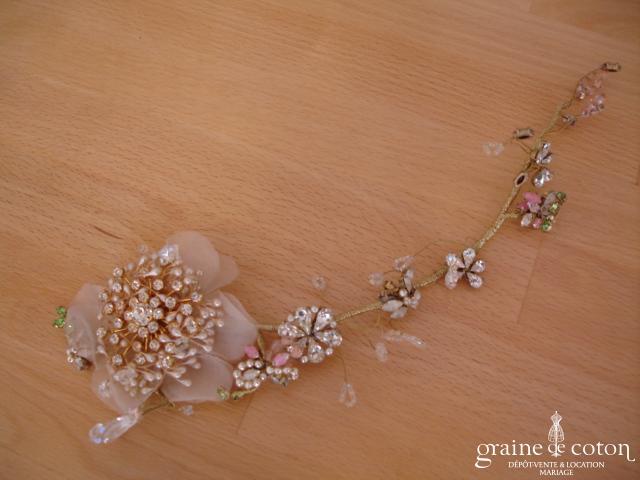 Christian Lacroix - Fleurs en strass et perles montées sur fil câblé