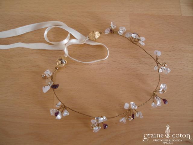 Tour de cou en perles montées sur fil câblé