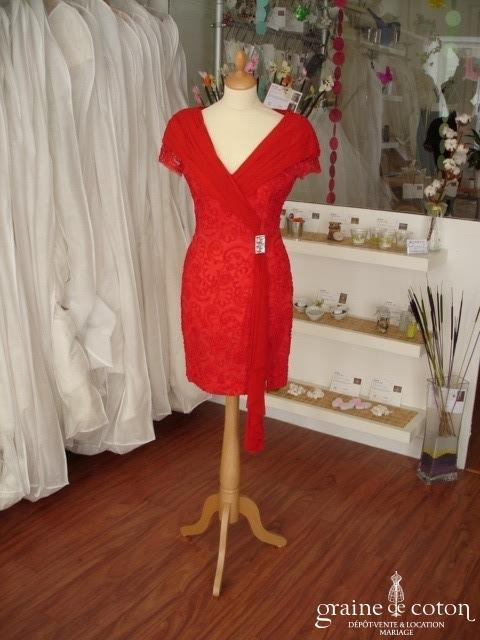 Candice Fraiberger - Robe courte rouge en dentelle (non stocké en boutique, essayage sur demande)