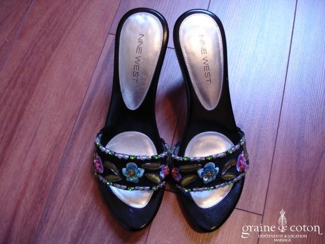 Nine West - Mules (chaussures) noires brodées de fleurs colorées
