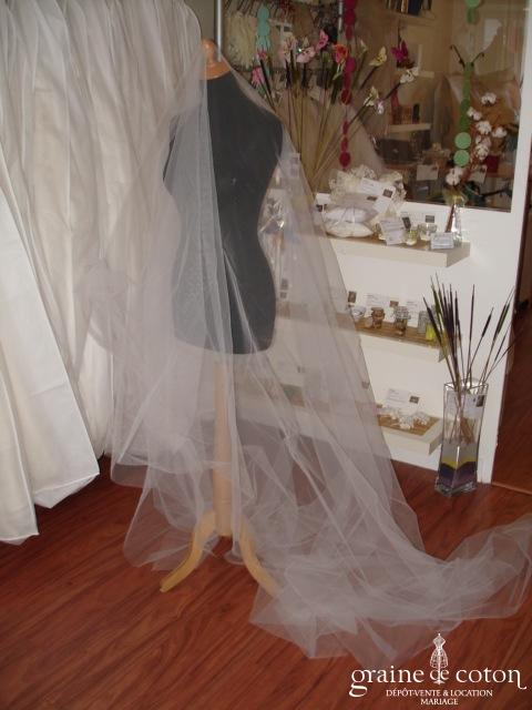 Max Chaoul - Voile long blanc en tulle