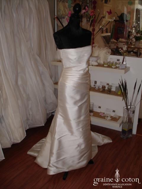 La Sposa (Pronovias) - Robe une pièce avec traîne attachée sur le dos (mikado tulle)