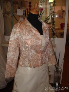 Veste courte saumon et doré (non stocké en boutique, essayage sur demande)