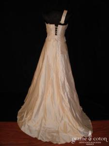 Mariées de Paris - Robe deux pièces en soie sauvage ivoire avec guipure de dentelle (prototype)