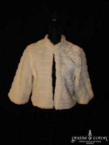 Boléro / manteau en fausse fourrure ivoire (manches)