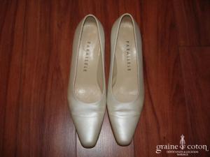 Parallèle - Escarpins (chaussures) en tissu ivoire