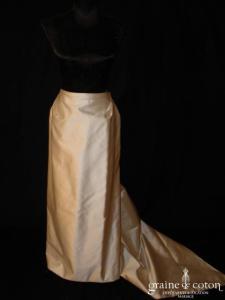Monique Germain - Jupe longue droite et drapée en soie ivoire
