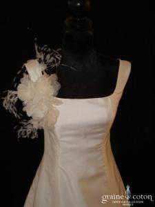 Alexis Mariage - Robe en soie sauvage ivoire avec larges bretelles