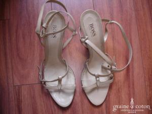 Hugo Boss - Sandales (chaussures) en cuir beige