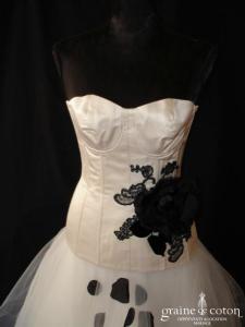 Philippe Charpy création Les Ephémères - Modèle n°2 blanc avec touches noires (taille basse satin de soie tulle)