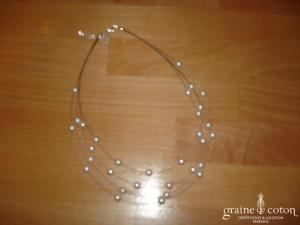 Collier 4 rangs perles blanches nacrées