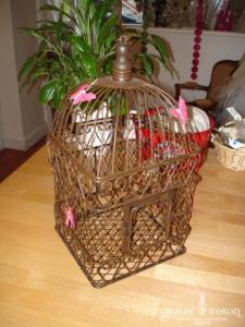 Cage à oiseaux pour urne