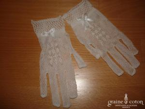 Gants courts fillette en filet extensible et perles