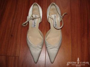 Mademoiselle Rose - Escarpins (chaussures) en satin ivoire