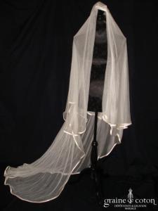 Voile de 3 mètres en tulle de soie ivoire, bordé d'un biais de satin