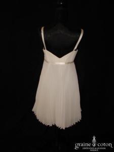Robe courte ivoire clair en mousseline plissée (taille empire bretelles civile)