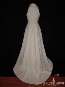 Harriet de Prag - Robe à encolure américaine en crêpe blanc