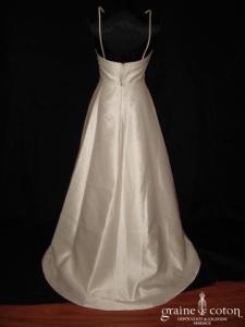 Mariées de Paris - Robe en mikado ivoire à encolure géométrique américaine (bretelles)
