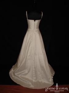 Mariées de Paris - Robe taille haute en mikado ivoire avec bretelles