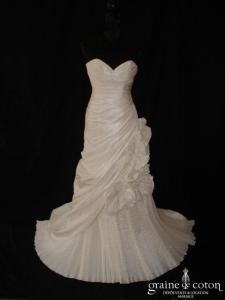Robe sirène drapée en taffetas plissé ivoire