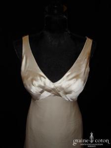 Création Nathalie Bourgey-Biron - Robe empire fluide ivoire (satin mousseline soie volutes bretelles)