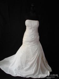 Marque espagnole dégriffée - Robe taille basse empire en taffetas blanc drapé