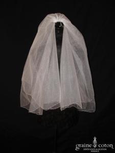 Voile court en tulle blanc bordé de petites perles