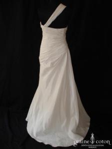 Donyella - Robe une pièce en taffetas drapé et plissé (bretelle)