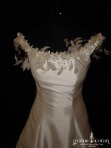 Ava Marillages - Robe en mikado de satin ivoire (bretelles plumes)