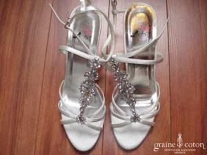 Ilona Rose - Sandales (chaussures) en satin ivoire MS085
