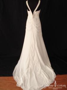 Cosmobella - Modèle 7416 (mousseline fluide empire drapé bretelles V blanche)