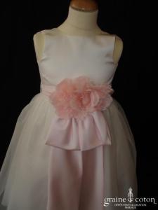 US Angels - Robe de demoiselle d'honneur blanche avec ceinture de satin rose